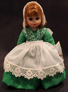 MADAME ALEXANDER DOLL – IRELAND #578 ~ Green dress