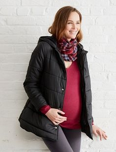 Wear this adaptable padded jacket after the birth and wrap baby up cosy and warm inside the protective panel!    Adaptable maternity and nursing padded jacket Hood Press-stud fastening Slanted pockets Drawstring ties inside After the birth, attach the removable panel with zips to protect baby from the cold! Length approx. 73 cm  WHAT YOU NEED TO KNOW   TIP : Order your usual size before you were pregnant; our before and after clothing by Colline takes your new shape into account!   Still…
