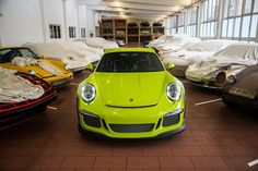 The Porsche 911 GT3 RS is without any doubt a special car. This particular example, which was customized by Porsche Exclusive, proves that you can make it…  -  Andrey Mashnich: Google+