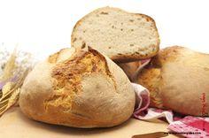 Pane civraxiu tipico pane sardo preparato con semola di grano duro, lievito naturale e cotto nel forno a legna. Ecco come farlo in casa.