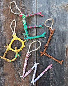 Natural Crafts Tutorials: Great Twig Crafts for Kids Colorful Yarn Bombed Twigs Letter Ornaments. The pop of color meets the rustic charm of autumn foliage in this yarn twigs letter ornaments. Kids Crafts, Twig Crafts, Summer Crafts, Craft Stick Crafts, Holiday Crafts, Holiday Fun, Kids Nature Crafts, Decor Crafts, Festive