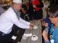 Campeonato Ibrik (Preparación turca) 2011, campeón Ever Bernal, con sombrerito y todo!