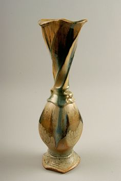 Tony Winchester | Untitled vase, 1998; purchased in Serveant Bluff, Iowa; stoneware; Gift of American Ceramic Society Collection