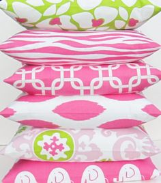 WOW! These pillows are SO cute :) Pink and lime green look so cute together here
