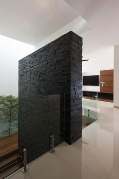 Modern room partitions have many uses. Wall Partition Design, Wall Design, House Design, Modern Staircase, Staircase Design, Comfy Room Ideas, Property Design, House Stairs, House Elevation
