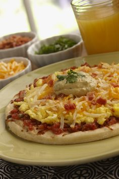 WHOLLY GUACAMOLE® Dip Breakfast Pizza