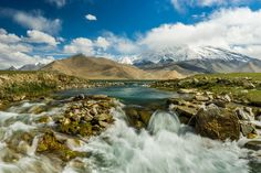 27 Reasons China Should Be Your Next Visit (Pictured: Karakul Lake)