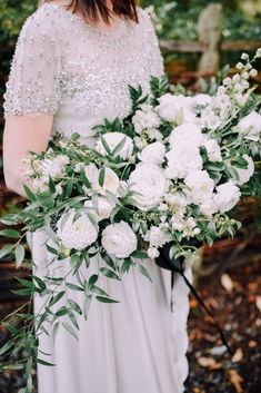White and green bouquet of roses ranunculus ruscus and for Magasins de robe de mariage portland oregon
