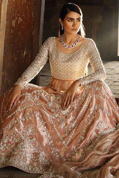This stunning rich tissue zardoze worked choli and lehnga featuring beautiful patterns of work along with alluring swarovski details. Desi Wedding Dresses, Pakistani Formal Dresses, Pakistani Bridal Dresses, Pakistani Dress Design, Pakistani Outfits, Indian Dresses, Nikkah Dress, Elegant Dresses, Beautiful Dresses