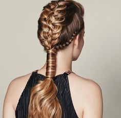 Fashion Braids #braids #braidstyles #braidstylist #stylist #hairstylist #hairstyle #hairstylist #braids #fashion #colouredbraids #colouredhair #hairinspo #mermaidhair #unicorn #color #haircolor #love2Braid #vlechten #vlechtkapsels #bruidskapsels
