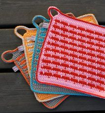 House of Hildur - Virk-kit Grytlappen Britt Crochet Cross, Knit Crochet, Crochet Home Decor, Pot Holders, Diy And Crafts, Cross Stitch, Knitting, House, Tunics