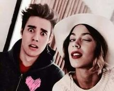 Love Tini and Jorge Violetta And Leon, Violetta Live, Violetta Outfits, Best Friends Forever, Tv Shows, It Cast, Selfie, Stars, Celebrities