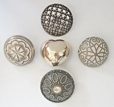 Metal buttons  10 x assorted large alloy metal by chicbuttons