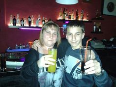 De copitas en Vip bar Ripoll.