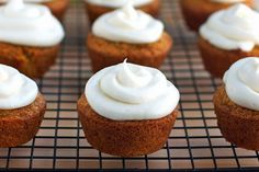nothing diet about these, but they sure look good. carrot cake cupcakes