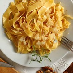 Pappardelle all'uovo cacio e pere / Egg Pappardelle with cheese and pears