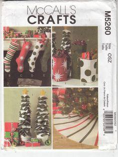 Christmas Decor Stockings Tree Skirt Gift Bag McCalls Sewing Pattern 5260 Uncut #McCallsM5260