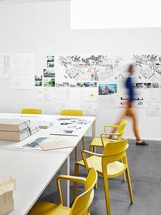 Collaborative work table - Baas Studio