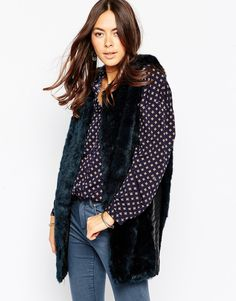 Influence+Navy+Faux+Fur+Gilet+With+PU+Side+Panel