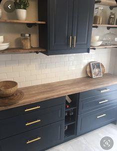Kitchen Paint, Painting Kitchen Cabinets, Kitchen Interior, Freestanding Kitchen, Kitchen Nook, Old Kitchen Cabinets, Kitchen Renovation, Ikea Kitchen, Old Kitchen
