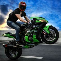 Wheelie on Kawasaki zx10R Krt Edition