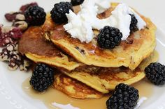 You love 'em, I love 'em, we all love 'em. The little disks of joy have slipped into more than one of our dreams with their warm, fluffy texture and intoxicating smell. Even the most successful dieter can sink to the thought of some delicious pancakes. When you're on a low carb diet, gluten free …