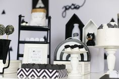 decoração festa geométrica preto e branca para meninos.