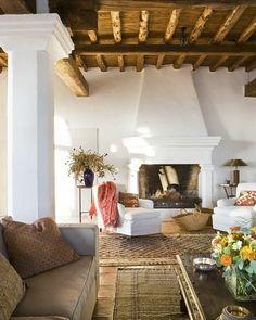 Spanish Farmhouse Design: 99 Inpiration Photos - Home Decor Spanish Style Homes, Spanish Style Interiors, Spanish Colonial, Decoration Inspiration, Decor Ideas, Mediterranean Home Decor, French Home Decor, Spanish Home Decor, Home Decor Paintings