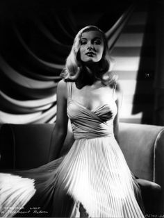 """Veronica-This Week in History The Casa Grande Dispatch, Casa Grande, Arizona, August 1941 """"'I Wanted Wings' To Come To Local Theatre Soon"""" Old Hollywood Glamour, Hollywood Actor, Classic Hollywood, Vintage Hollywood, Classic Actresses, Beautiful Actresses, Actors & Actresses, Classic Movies, Veronica Lake"""