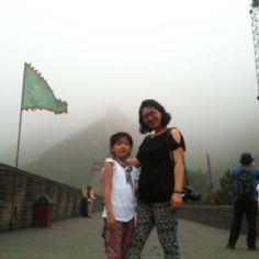 중국 1일째. 두 여자 만리장성 오르다. 거용관은 베이징의 마지막 관문이다. 뚫리면 코 앞이 자금성. 청나라가 명나라를 접수할 때 이곳을 지났을 듯.