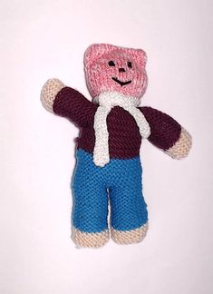 Charity bear made by Blue Light Babies, UK, for yarndale.co.uk Crochet Bear Patterns, Knitting Patterns, We Bear, Bear Face, Great Hobbies, Types Of Yarn, Knitting For Beginners, Knitting Designs, Neutral Colors