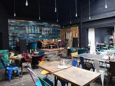〰️RESTAURANTES CON ALMA〰️  Rincones con encanto, detalles personales...echa a volar tu imaginación e inspírate con nuestras ideas . ⇣⇣  #deco #interiorismo #restaurante #restaurantesconencanto Dareels Design
