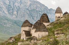 necropolis-dargavs-city-of-10-000-dead-in-north-ossetia-3.jpg 1.000×665 Pixel
