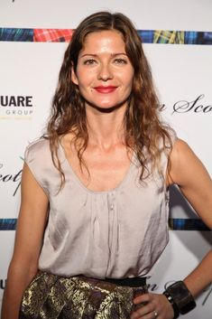 Jill Hennessy attended a performance of 'From Scotland With Love' looking ultra-casual with her hair in long loose waves.