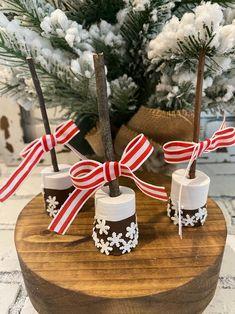 Homemade Christmas, Christmas Treats, Christmas Cookies, Christmas Signs, Christmas Baking, Christmas Candy, Christmas Ornaments, Christmas Decor, Cute Marshmallows