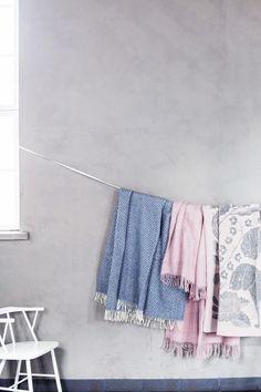 IIDA, SAAGA UNI design Marja Rautiainen and KOIRA JA KISSA blankets, design Makoto Kagoshima. Made by Lapuan Kankurit.