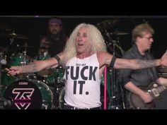 BUBUS AQP: Twisted Sister  We re Not Gonna Take It  Live