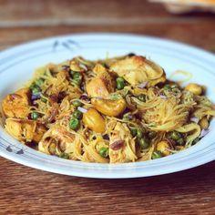 """3,254 mentions J'aime, 44 commentaires - Thibault Geoffray #90DayLC (@thibault_geoffray) sur Instagram: """"Yummy Recette facile riz (ou konjac) au poulet et noix de cajou Des apports au top!! ~…"""" Diet Recipes, Healthy Recipes, Healthy Food, Fitness Nutrition, Healthy Lifestyle, Cabbage, Spaghetti, Menu, Vegetables"""