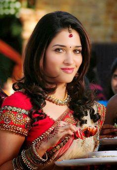 Download Tamannna Bhatia HD Wallpapers