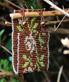 Vintage looking beaded braceletfloral designsoft by LoretaBlueMint Treasure Boxes, Loom Bracelets, How To Make Beads, Vintage Looks, Floral Design, Handmade Jewelry, Etsy, Color, Pastel