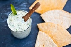 Raw Vegan Tzatziki Made With Fresh Herbs, Nut-free & Oil-free Vegan Sauces, Raw Vegan Recipes, Vegan Foods, Cooking Recipes, Vegan Meals, Vegan Tzatziki, Roh Vegan, Yummy Veggie, Health