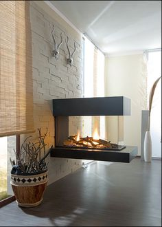 Fireplaces and stoves Living Room Decor Fireplace, Home Fireplace, Modern Fireplace, Fireplace Design, Fireplaces, Japanese Home Decor, Foyer Decorating, Home Living, Contemporary Interior