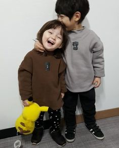 @savagebabez Cute Asian Babies, Korean Babies, Asian Kids, Cute Babies, Cute Baby Couple, Cute Little Baby, Little Babies, Baby Kids, Cute Baby Boy Images