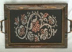 This Pin was discovered by Naz Cross Stitch Borders, Weaving Patterns, Hand Embroidery, Diy And Crafts, Pattern, Loom Patterns