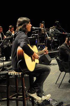 Claudio venturini com a orquestra Opus,em BH 27/05/2016 no sesc Palladium.