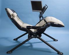 Zero gravity chair with computer