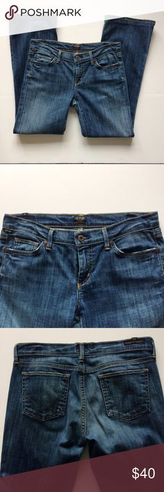 Citizen of Humanity Dita Jeans medium wash, petite boot cut leg Jeans, soft comfortable denim, great used condition. 29 inch inseam. Made in the USA 🇺🇸 Citizens of Humanity Jeans Boot Cut