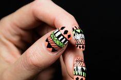 Azteque nail art design