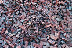 Liu-Bolin-Hiding-in-the-City-No.87-20091.jpg (1200×800)