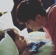 w two worlds gif W Korean Drama, Korean Drama Romance, Korean Drama Quotes, Korean Drama Movies, Drama Korea, Lee Jung Suk, Lee Jong, Korean Couple, Best Couple